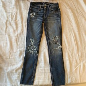 AEO Jegging Dark Contrast wash with distressing